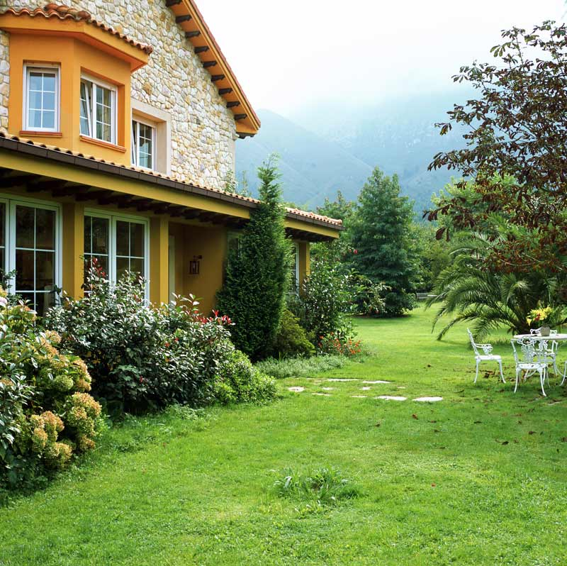 Hoteles con encanto en la costa de asturias for Hoteles con piscina climatizada en asturias