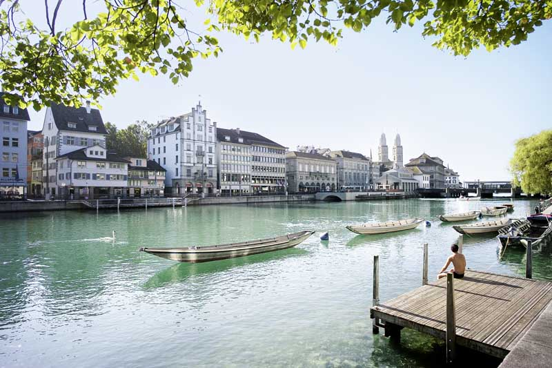 Viajes suiza un pas de lagos for Piscina ciudad universitaria